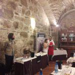 Bodegas Cunqueiro y Conservas la Brújula maridan Verema en Santiago de Compostela